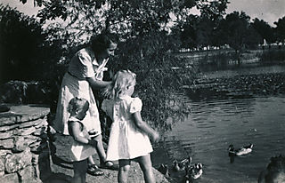 04feeding ducks