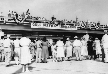 Gulf_freeway_dedication