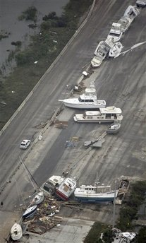 I-45 Littered with Boats