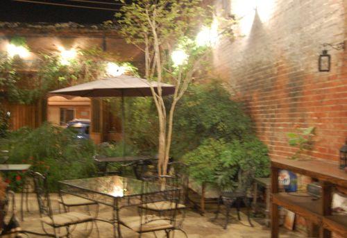 J - Tchoupitoulas Courtyard