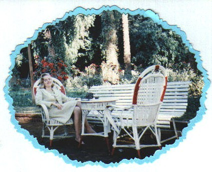 Ja) Relaxing in the Winter Palace Gardens in Luxor