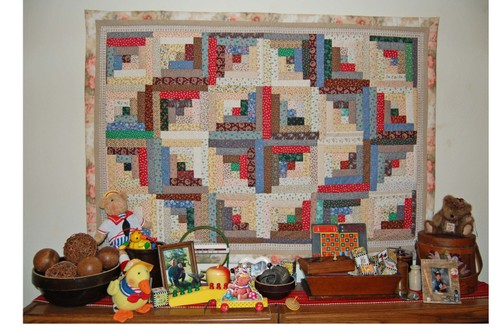 CE - Log Cabin Quilted Wall Hanging