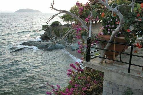 33 - Thessaloniki, View Down to the Sea