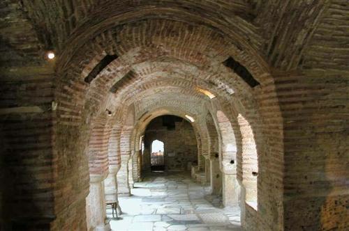 38 - Thessaloniki, a Tour of Ruins